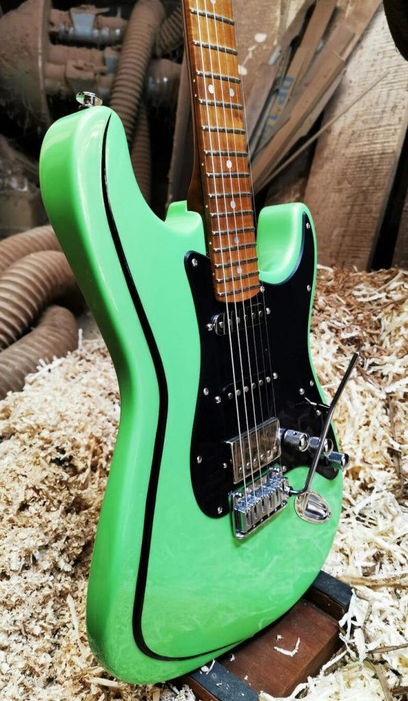 LT Custom Guitar Strat Classic S Lamborghini Green